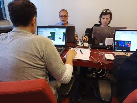 O CADaula possui um espaço home office, onde ministra cursos para arquitetos, designers, projetistas, engenheiros dos softwares: Autocad, Sketchup, Revit, V-ray e Lumion